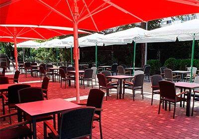 Terraza todo el año Cafetería Mayri